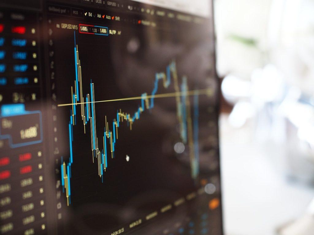 金融×AIは自身で情報収集を行いつつロボアドバイザーを活用 人工知能を搭載した製品・サービスの比較一覧・導入活用事例・資料請求が無料でできるAIポータルメディア
