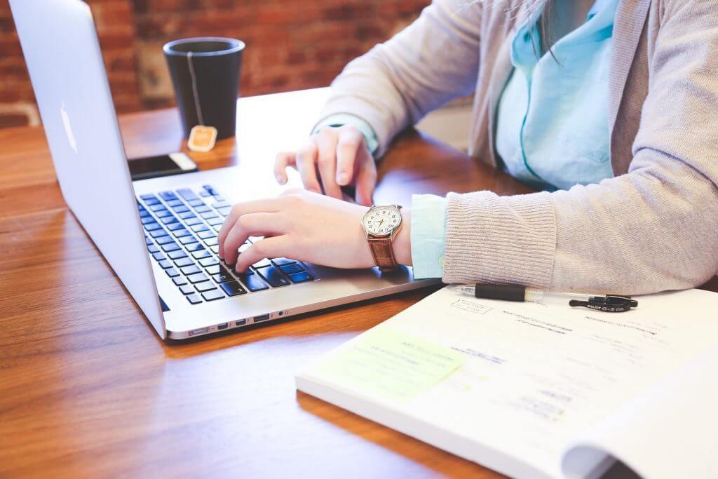 いまさら聞けない?WEB接客とA/Bテスト|チャットボットやWeb接客・RPA等のAI・人口知能製品・サービスの比較・検索・資料請求メディア