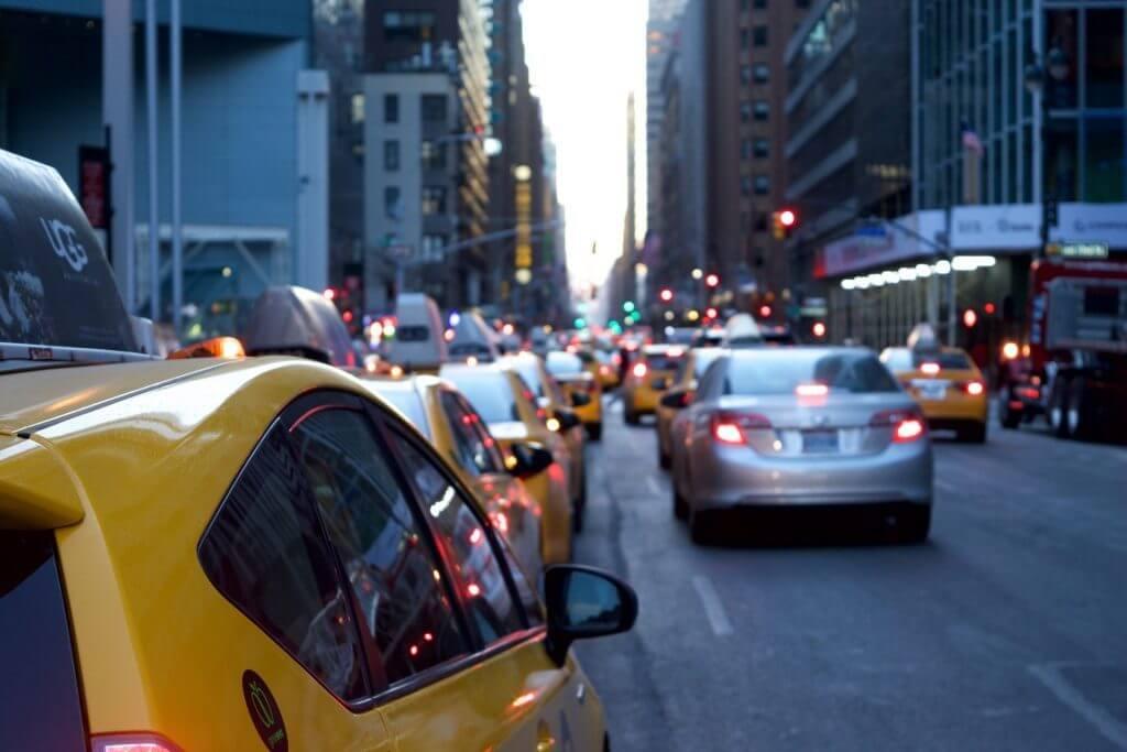 「交通」×AI、空席確認や忘れ物捜索をチャットボットがお助け チャットボットやWeb接客・RPA等のAI・人口知能製品・サービスの比較・検索・資料請求メディア