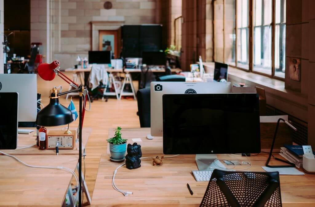 AIが営業支援!「SFA」ってなんだ?|チャットボットやWeb接客・RPA等のAI・人工知能製品・サービスの比較・検索・資料請求メディア