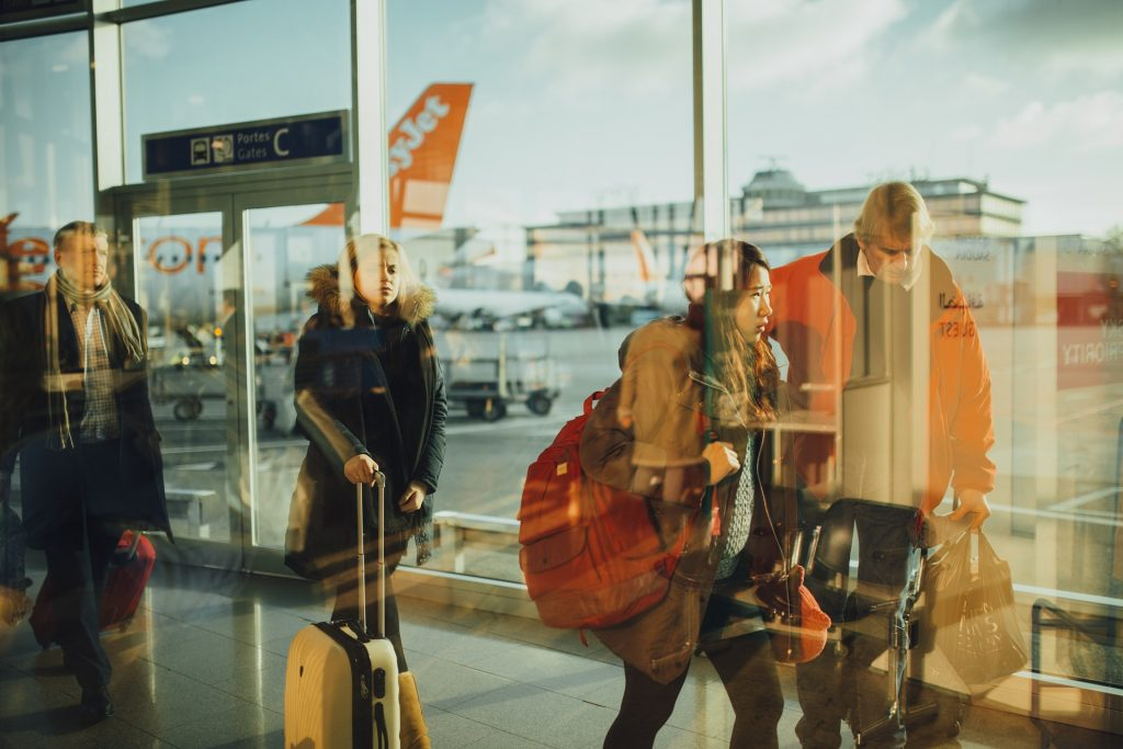 日本人帰国者の入国管理をスムーズに、パナソニックの顔認証ゲート|AI・人工知能製品・サービスの比較一覧・導入活用事例・資料請求が無料でできるメディア