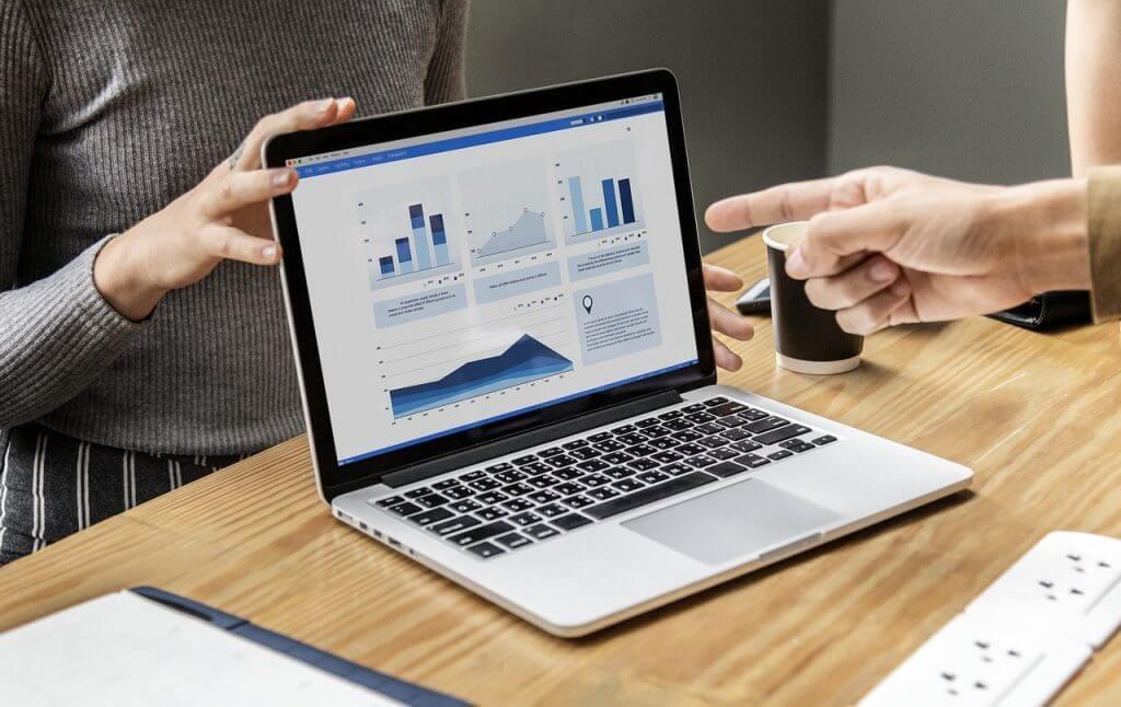どうやって比較すべき?営業支援(SFA)クラウドツールの選び方|人工知能を搭載した製品・サービスの比較一覧・導入活用事例・資料請求が無料でできるAIポータルメディア