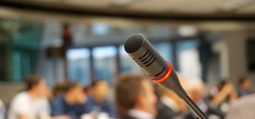 ■AI外貨予測は音声サービスにも対応 人工知能を搭載した製品・サービスの比較一覧・導入活用事例・資料請求が無料でできるAIポータルメディア