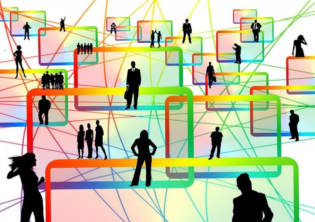 AIがおすすめ商品をピックアップ!レコメンドエンジンの仕組みとは?|人工知能を搭載した製品・サービスの比較一覧・導入活用事例・資料請求が無料でできるAIポータルメディア