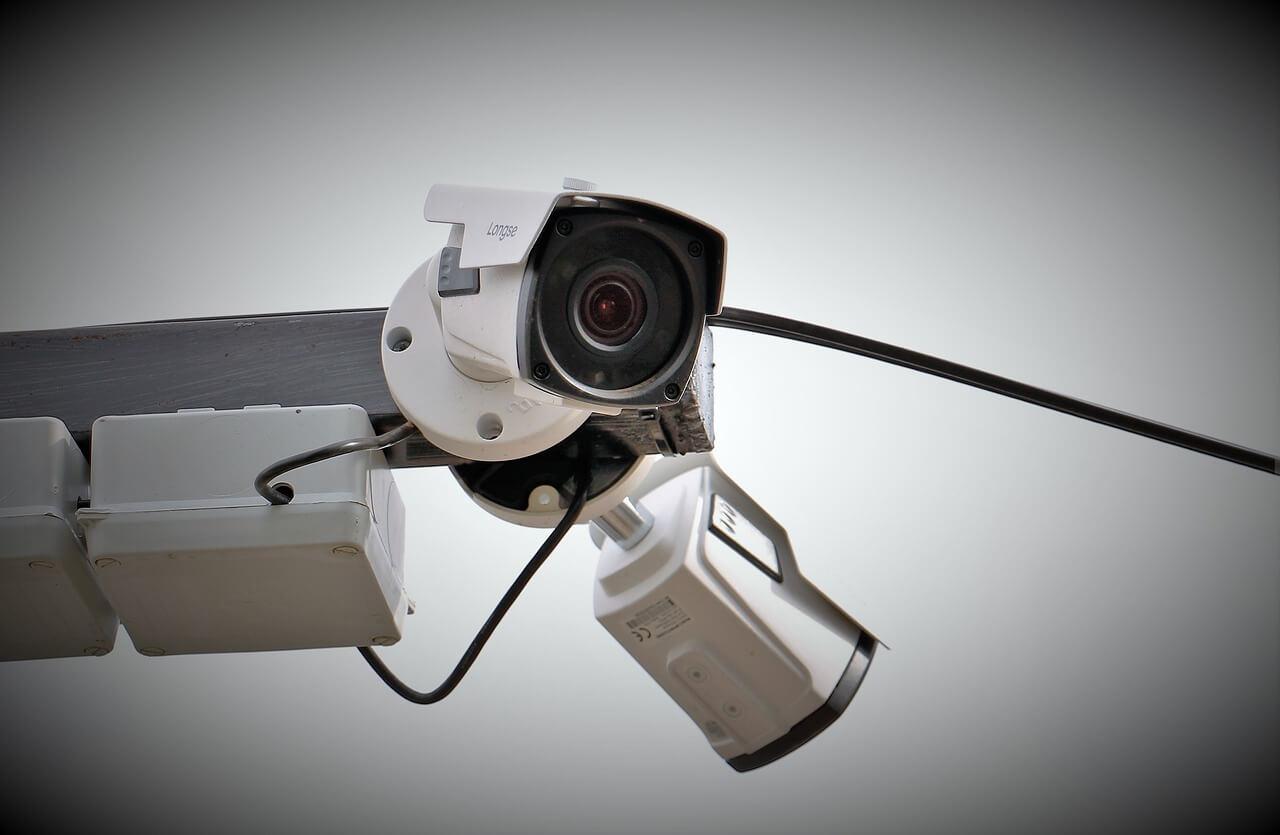 ■AI搭載型のカメラを活用した勤怠管理 人工知能を搭載した製品・サービスの比較一覧・導入活用事例・資料請求が無料でできるAIポータルメディア